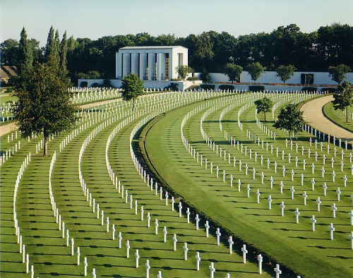 Cambridge_American_Cemetery_and_Memorial