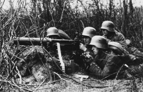 a23_world_war_1_german_machine_gun_1