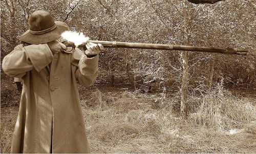 Brown_Bess_Musket_firing
