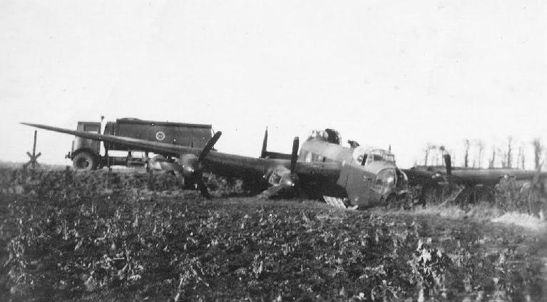 bomber crash related keywords - photo #3