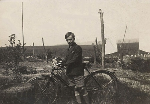 AG with bike 1930 8