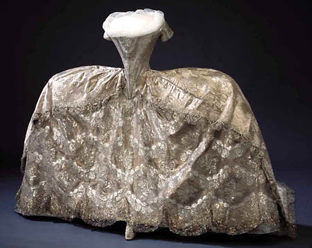m 18th-century-court-gown-cloth-of-silver